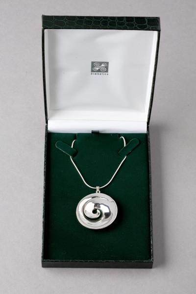 simbolica hanger koru