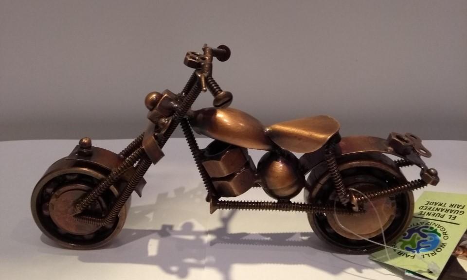 motor van fietsketting 18,5x7x10 cm, koperkleurig, India